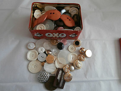 Vintage oxo tin of loose buttons  great variety