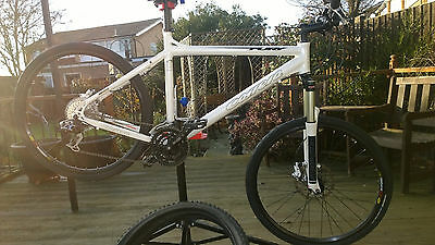 "Carrera Fury Mens Mountain Bike 20"" Frame Very Good Condition Nearly New"