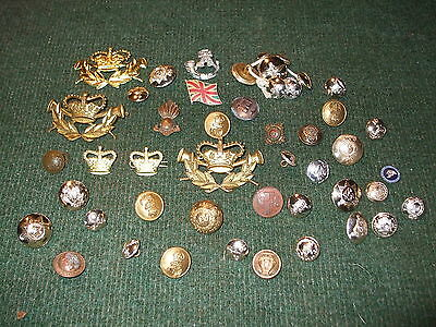 Vintage Military Badges Buttons