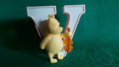 Michel & Co ~ Classic Pooh ~ Pooh's Alphabet ~ Letter 'V'
