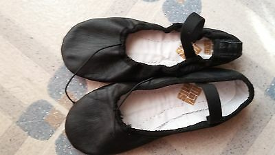 New, womens, girls  100% leather Black dance ballet shoes slippers size 4