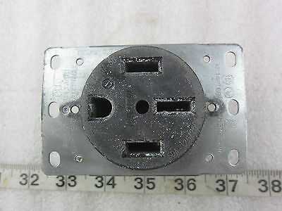 Leviton 279 50A 125/250V HBL 9450 Style Straight Blade Receptacle 14-50R, Used