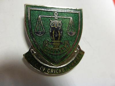 Association Of Cricket Umpires Vintage Enamel Badge