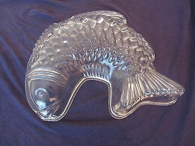 Vintage Large Glass Fish Jelly Terreen Mousse Mould