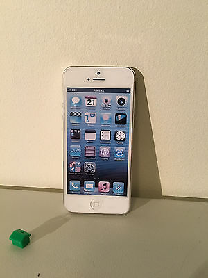 DUMMY iphone 5 5s mobile phone handset white shop display prop joke
