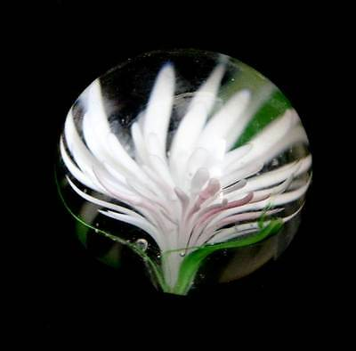 Vintage small art glass daisy flower paperweight 4.5cm