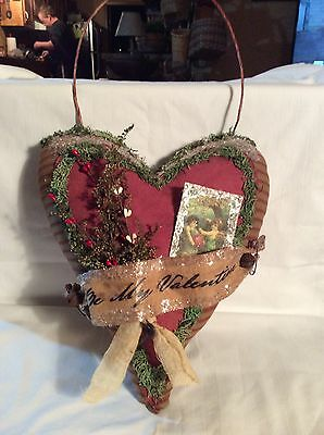 Primitive Valentine Heart Door Greeter