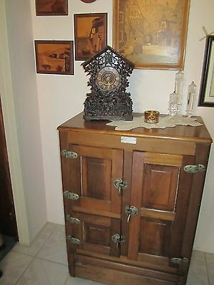 Awesome Antique Large Size Oak Ice Box Brass Hardware Tin Lined Must See!!!