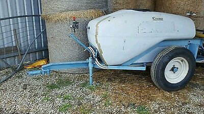 spray unit 1000 lt with boom and reel