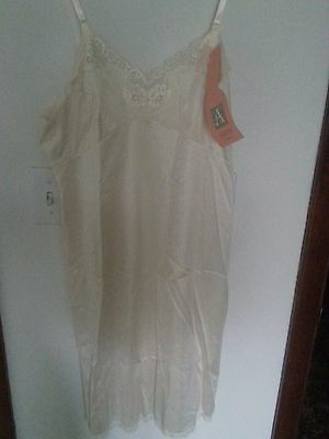 Vintage Penny's ADONNA Full Slip Ivory With Lace Trim Size 36 , NWT