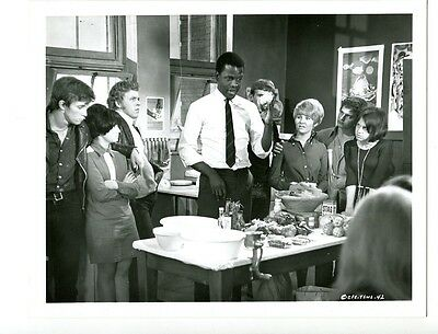 8x10-B&W-Promo-Still-To Sir With Love-Sidney Poitier-Judy Geeson-NM