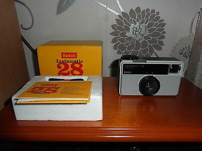 Kodak Instamatic 28 - Vintage 126 film camera -1972 - Boxed With Manual