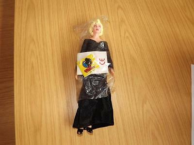 """J379: Madonna Doll Figure in Dick Tracey Breathless By Applause 9"""""""