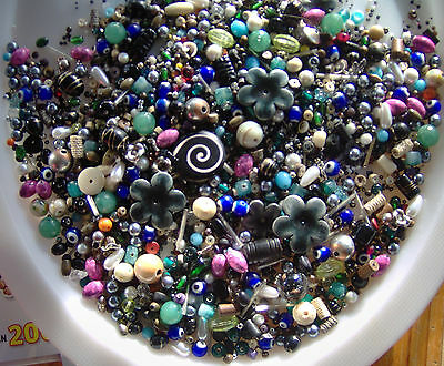 Costume Jewellery Beads Job Lot Of Mixed Beads - 500g. A lovely Mix
