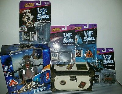 Lost in Space Toys: Johnny Lightning and Battle Ravage Robot
