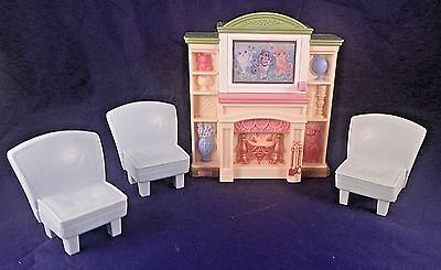 Fisher Price Loving Family Living Room Entertainment TV 3 Channels 3 Chairs 2008