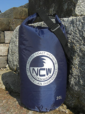 20L roll top dry bag 100% waterproof lightweight nylon taped seams & carry strap