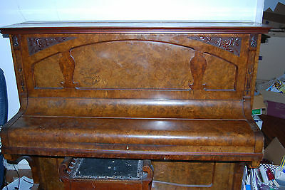 Ronisch 3 Crown Upright Concert Piano