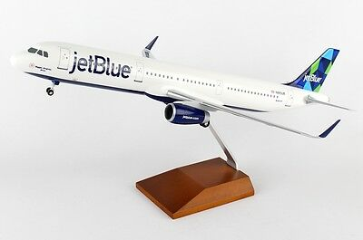 Skymarks SKR8321 JetBlue Airbus A321-200 Desk Top Display Model 1/100 Airplane