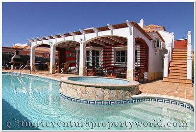 4 bed Private Luxury Villa Easter Break Fuerteventua All year round warm temps
