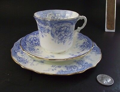 1900'S BLUE AND WHITE Hanley China Co, Burton   TRIO TEA CUP SAUCER PLATE