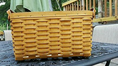 2002 Longaberger Small Wash Day Basket w/protector