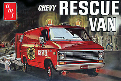 AMT Fire Department - 1975 Chevy Rescue Van in Red Plastic Model Kit 1/25