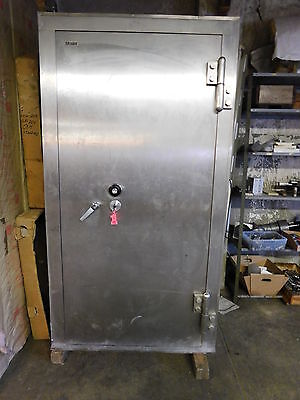 "Mosler Bank Vault 5.0"" Solid Steel Door and Walls"