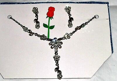 vintage costume jewelry set necklace and pair of earrings
