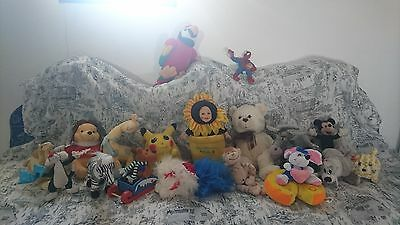 lot d une tres belle collections  de peluches