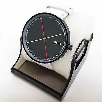 Black Simple Stylish Modern Fashion Design Men's Watch with Leather Strap TW2