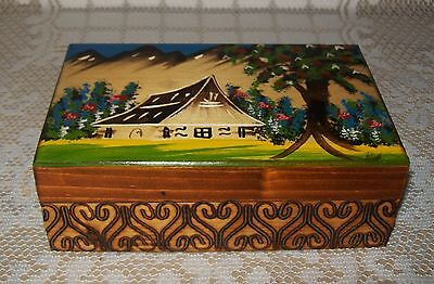 VINTAGE POLISH HAND CARVED/PAINTED POKERWORK HINGED WOODEN BOX 15x10x5cm