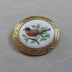 """AVON """"Welcoming of Spring - The Robin"""" Brooch/Pendant (16126949A)"""