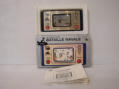 SBS Jeu electronique LCD Game & Time Watch Bataille navale Submarine en boite