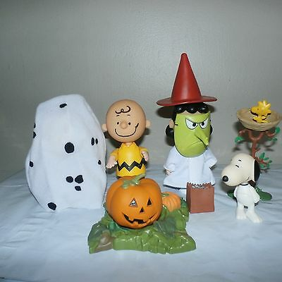 UFS Charlie Brown Snoopy Great Pumpkin Halloween Figure Lot Set 2002 Peanuts