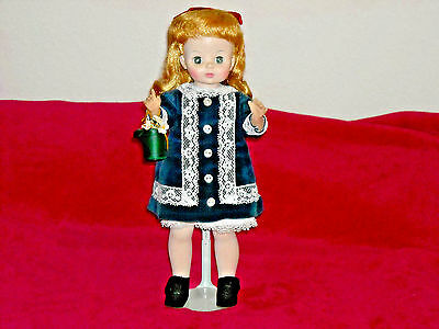 """Vintage Madame Alexander """"renoir Girl With Watering Can""""/1986/mib/with Tags!"""