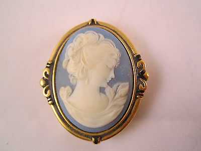Vintage Estee Lauder Solid Perfume Compact 1986 Cameo Portrait Blue and White