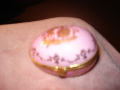 Limoges Trinket Box Porcelaine d'Art Pink w/ Gold
