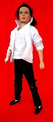 """Michael Jackson """"Street Life"""" Doll (1997) Triumph Int. Black or White Outfit"""