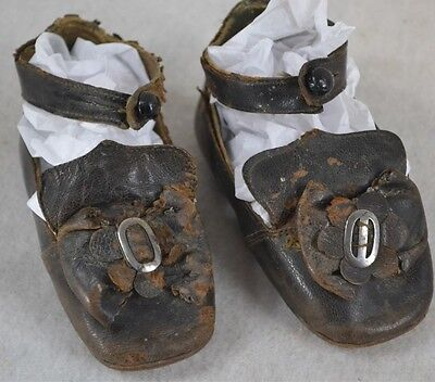 baby doll shoes early 19th c button bows black leather pre Civil War Era antique