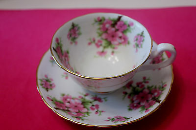 NEW CHELSEA, STAFFS  Fine Bone China Tea Cup and Saucer, England