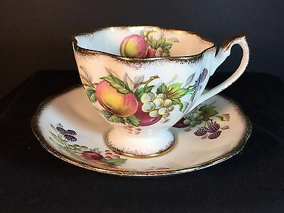QUEEN ANNE Fruit Series - Bone China Tea Cup & Saucer- England - Gold Trim 4