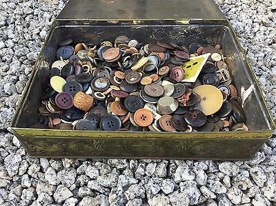 Vintage Biscuit Tin Retro Full Of Old Buttons & Other Random Things