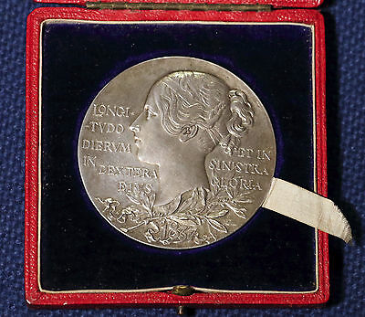 Victoria (1837-1901) jubilee silver diamond medal and case