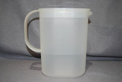 Tupperware 1529 Sheer Mini Pitcher  w/ Spout & Lid 1530