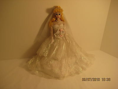 """Barbie Porcelain Collection """"Wedding Party"""" - Limited Edition 1989"""