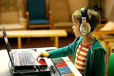 Kids Learn to Play Keyboard in One Hour