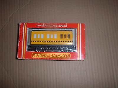 Hornby 00 Gauge R.296 Track Cleaning Coach Yellow  Vgc/boxed