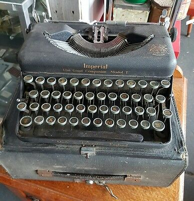 Vintage Imperial Model T English Typewriter