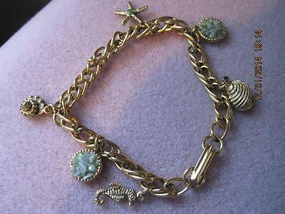 SEASHELLS by the SEASHORE Gold Tone Charms & Chain Bracelet Jade Clusters